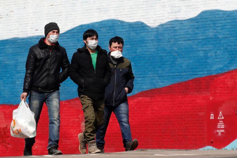 Поток мигрантов из Таджикистана в Россию сократился на 37%