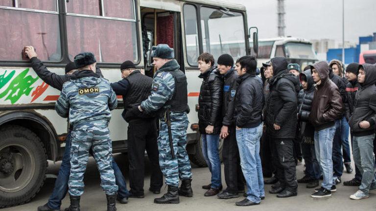 Правительство России утвердило порядок запрета иностранцам на въезд