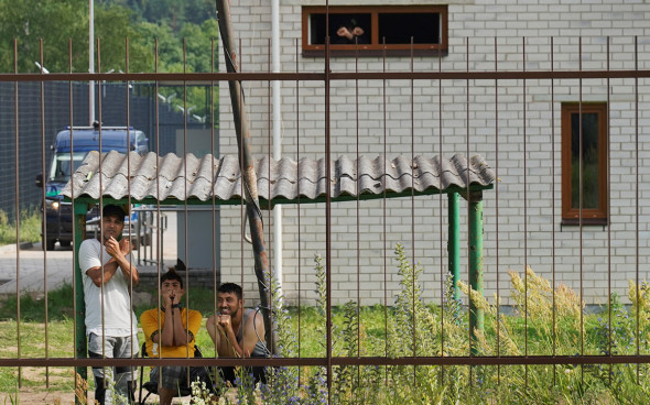 Власти Литвы пообещали по €300 мигрантам за согласие вернуться на родину