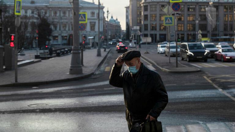 В Москве вступили в силу новые ограничения из-за COVID